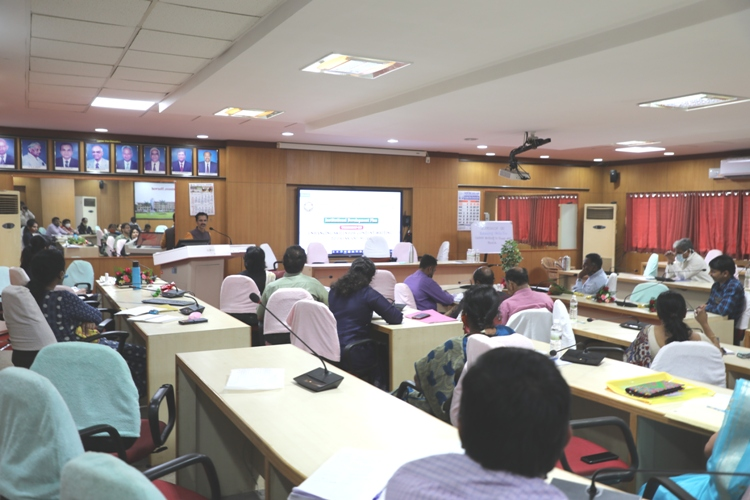 Workshop on Enhancing Skills for Content Writing to Press and Media @UAS, Dharwad